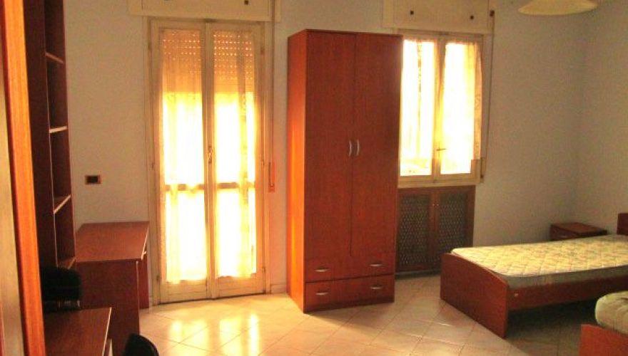 Camera doppia con due posti letto - adiacente Metro B