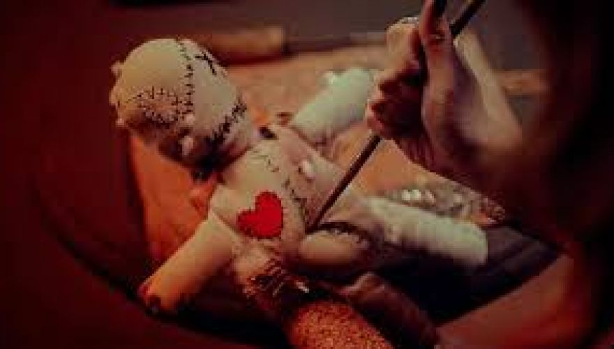 Female African traditional healer with black ancient magic +27737053600 Mama Shamie