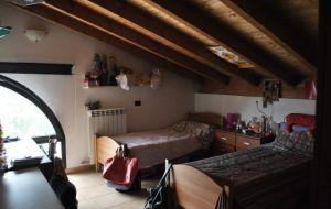 Affittasi posto letto in camera doppia mansardata