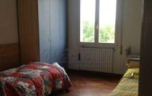 Offro posto letto in doppia, grande appartamento Bologna