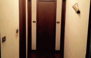 Offro stanza singola o due posti in doppia in zona Mazzini